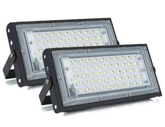 2X Proiettore LED 50W Impermeabili 6.8€