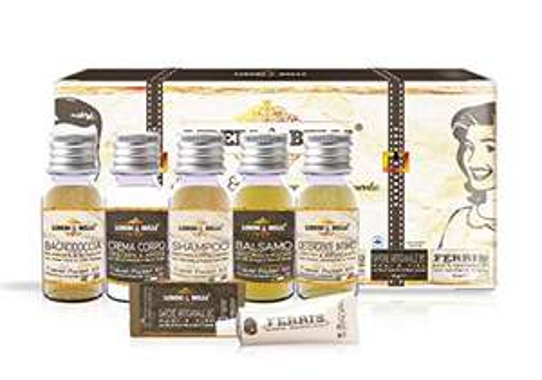 Set da viaggio, kit per l'igiene personale + Dentifricio senza Flouro LIBERI & BELLI